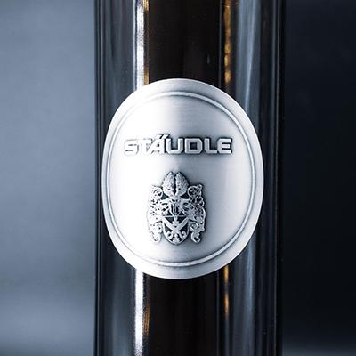 Aluminiumetikett auf Flasche